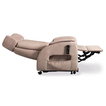 Optimal entspannen mit der Tagesbettfunktion des SALJOL Club2 Soft Aufsteh-und Schlafsessels